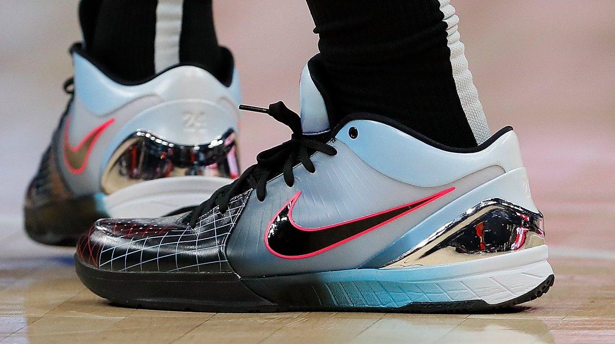 0640a8fb1cf3 DeMar DeRozan rocking a wild Nike Zoom Kobe 4 Protro colorway. 📸   Kevin C.  Coxpic.twitter.com IB8YPViayl
