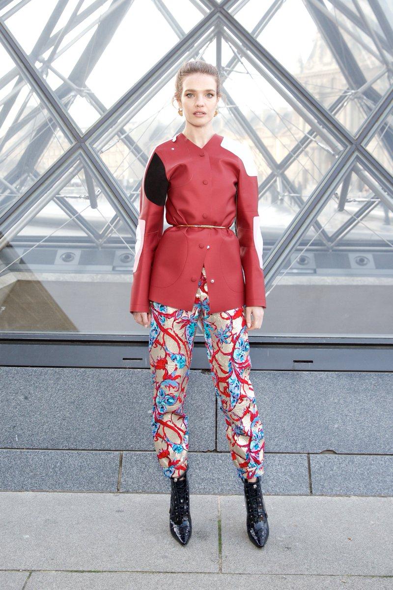 The Fashion Court On Twitter Emma Chamberlain Wore A Louisvuitton