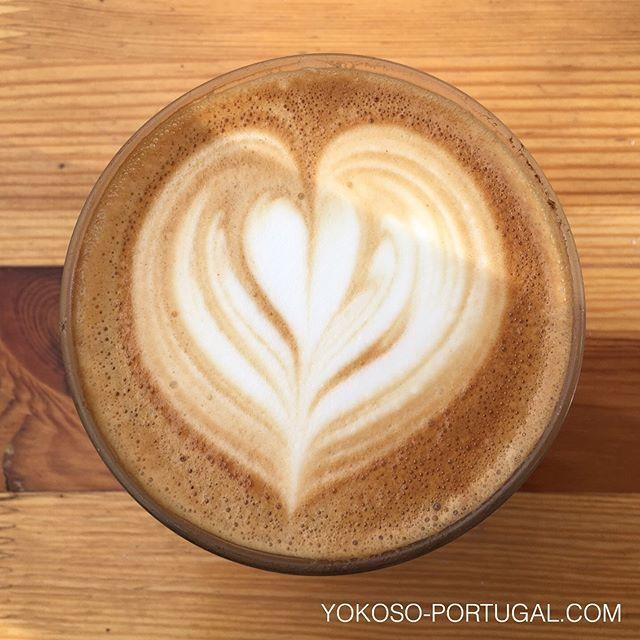 test ツイッターメディア - リスボンのゆったりできるおすすめカフェ。焼きたてパンも美味しいです。 (@ Copenhagen Coffee Lab in Lisboa) https://t.co/FdZ415kAmi https://t.co/q6KTglKu7v