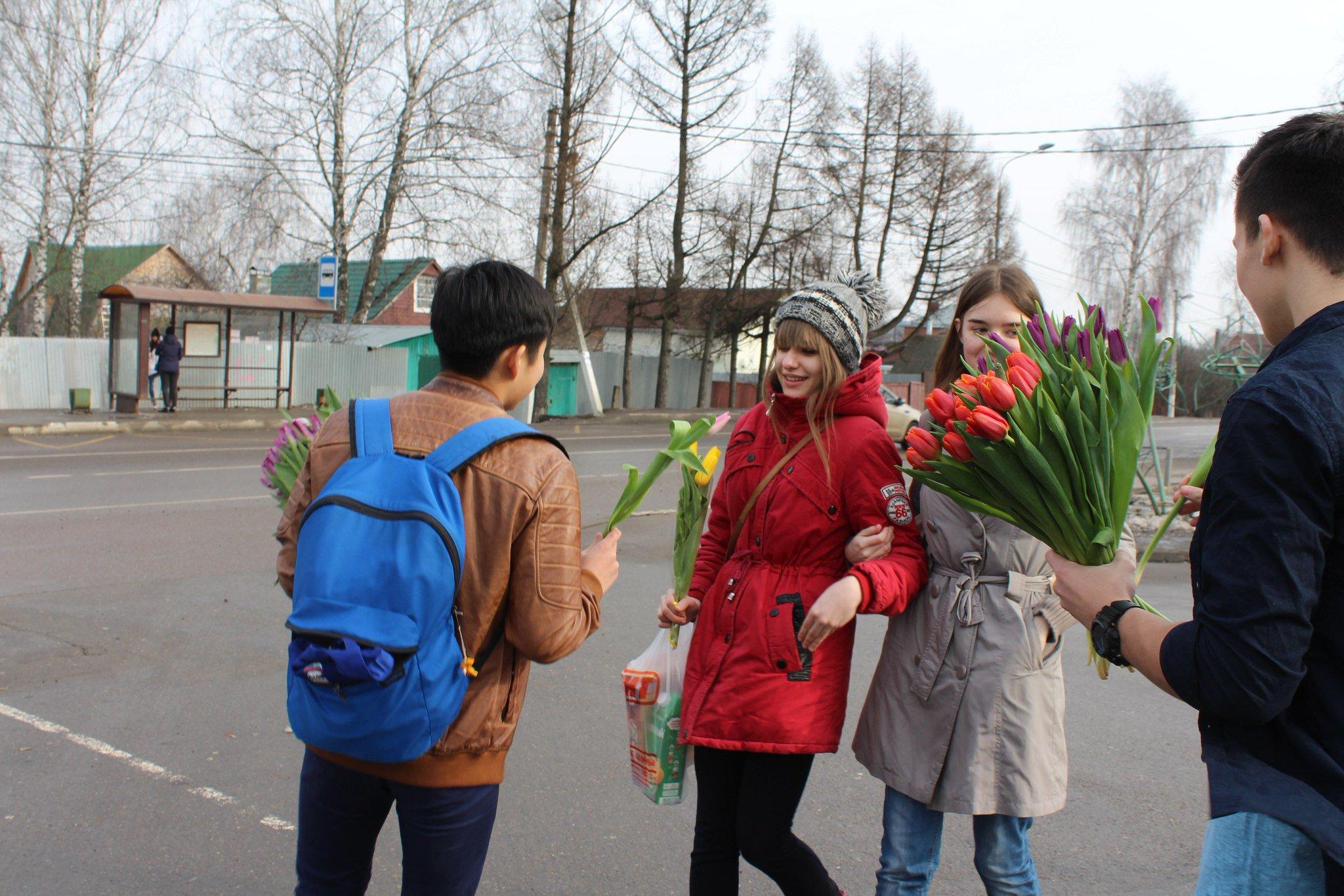 Подарить цветы через посылку луганск