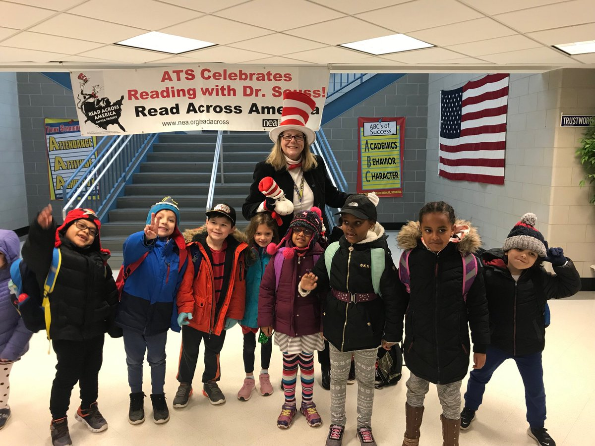 RT <a target='_blank' href='http://twitter.com/APS_ATS'>@APS_ATS</a>: The Cat in the Hat showed up at ATS today!!! Lots of excited students! <a target='_blank' href='http://twitter.com/APSLiteracy'>@APSLiteracy</a> <a target='_blank' href='http://twitter.com/APSVirginia'>@APSVirginia</a> <a target='_blank' href='https://t.co/AXyGAFtqUr'>https://t.co/AXyGAFtqUr</a>