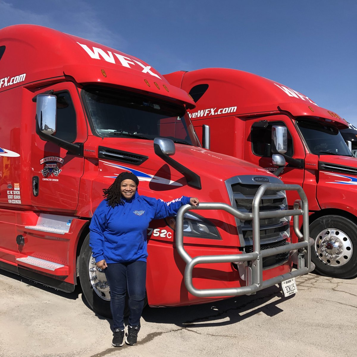 Laronda joined the WFX family this week - got into her newly-leased Cascadia, and hit the road with Jackson. Happy and safe driving!  #freightliner #onetheroad #Drivethedream #driveWFX #leasetoown #cdlDriver #cdlcontractor #otrdriver #womenintrucking