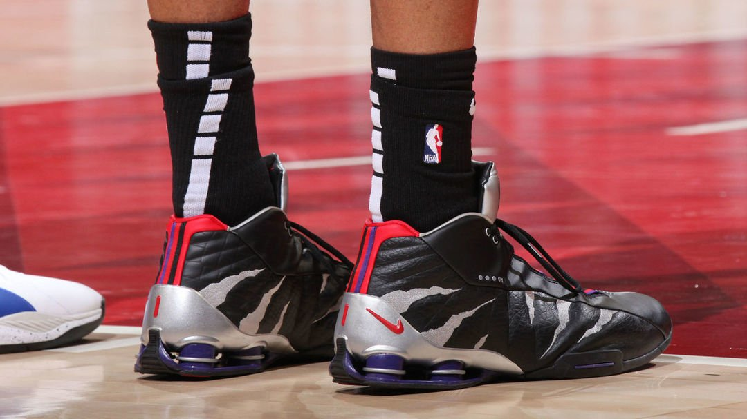 a20792da002 photos vince carter debuts raptors inspired nike shox bb4 sneaker