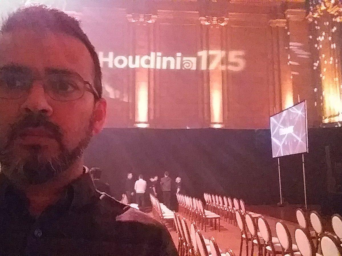 houdini17 hashtag on Twitter