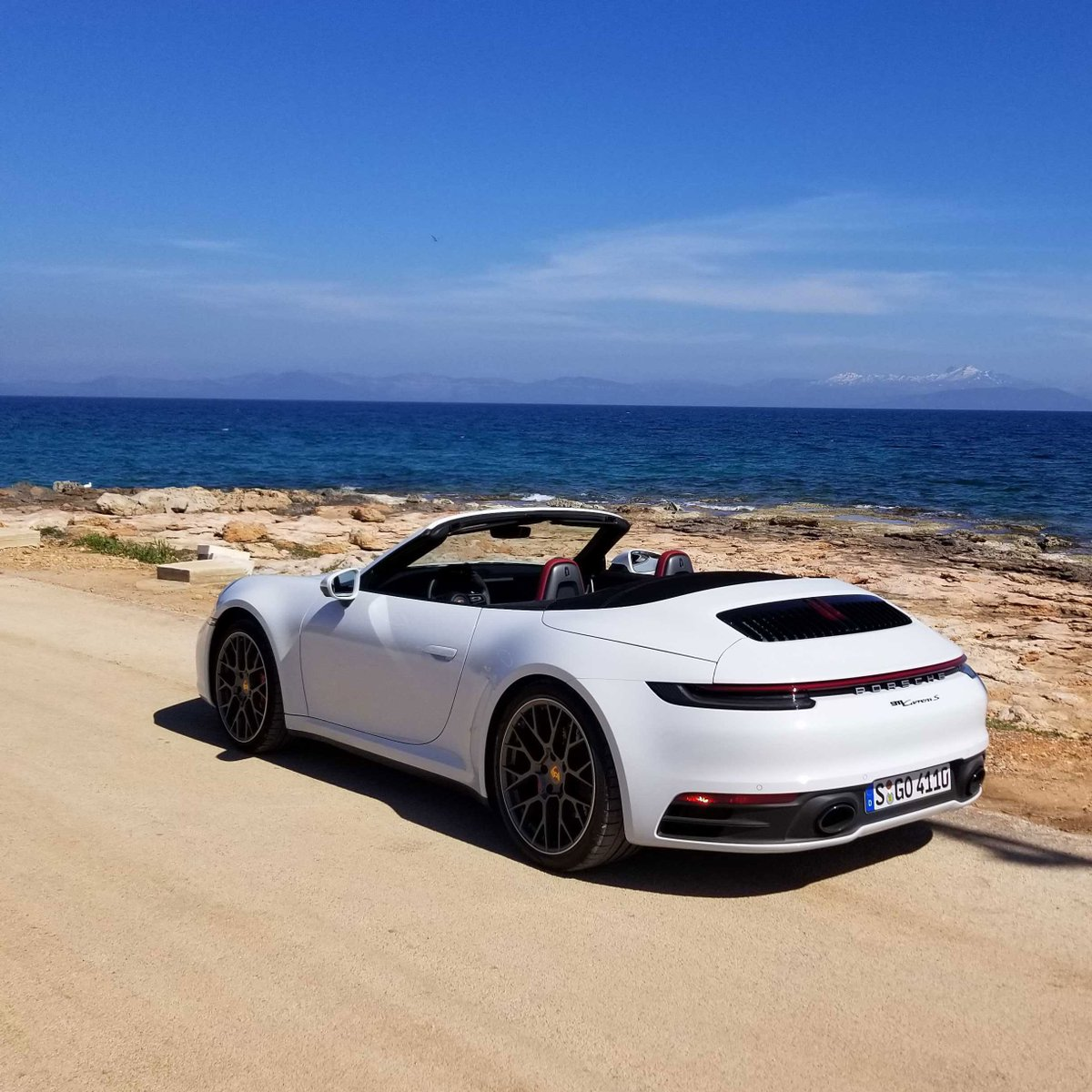 Roadshow On Twitter We Re Out With The 2020 Porsche 911 Carrera S Cabriolet White Or Red