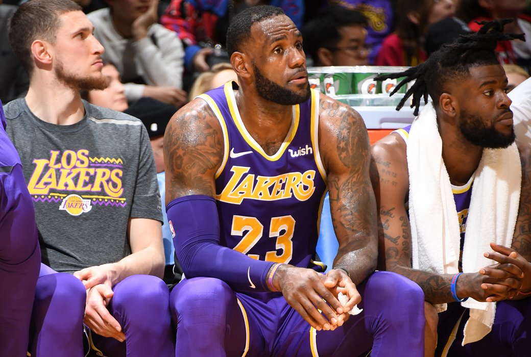 12fd716a0 Lakers will put LeBron James on a minutes restriction