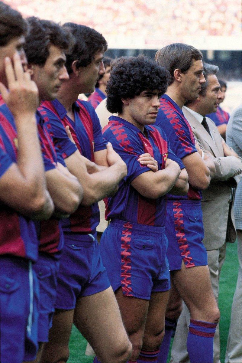 FOTOS HISTORICAS O CHULAS  DE FUTBOL - Página 6 D1FsdCAX0AAWP1u