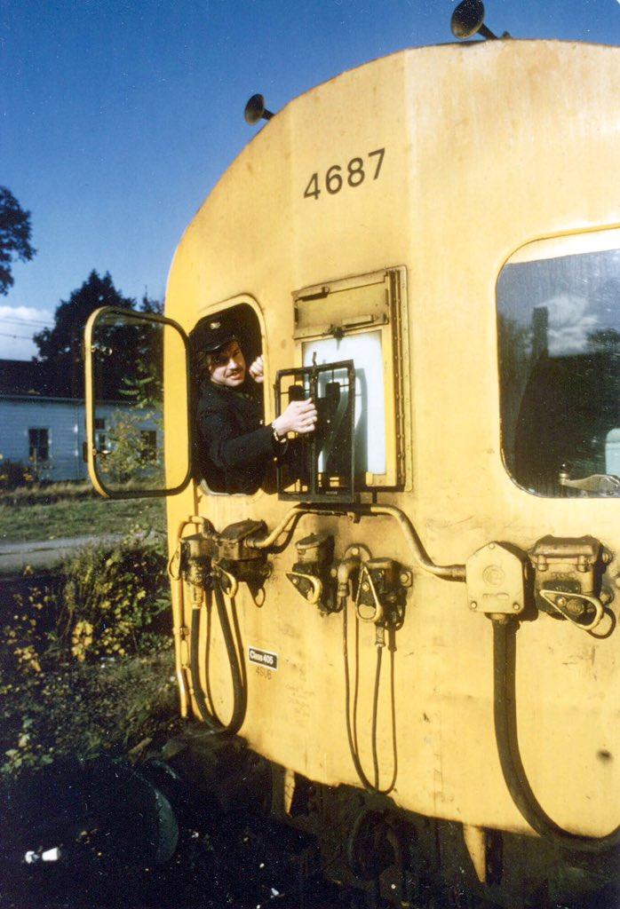 D1Fu4gKWsAAIsd6?format=jpg - Tinpot Railways: Terminal decline #2