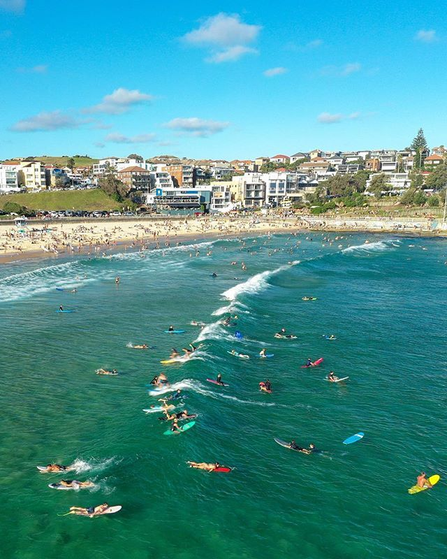 With the warm water and sunshine, I suspect another busy weekend  ⠀ #50shadesofbondi #trf002 https://ift.tt/2C8C8nCpic.twitter.com/dzsY8ZX61j