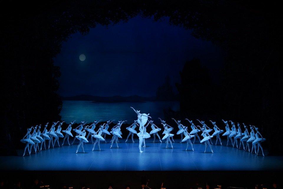 / GWバレエの祭典「上野の森バレエホリデイ」の魅力 ~今年のテーマは「白鳥の湖」~ \ バレエ初心