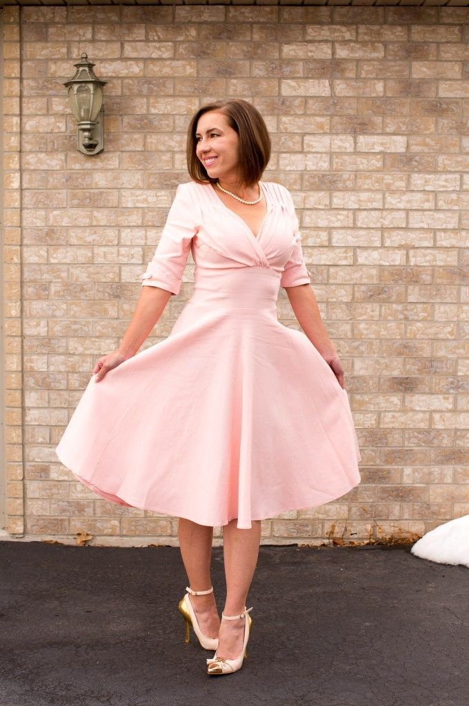 Spring & Easter are just around the corner! You can't go wrong with a pastel colored dress at this time of year.  Check out the full outfit post, here //  https:// buff.ly/2HzIJYO     @BBlogRT @LovingBlogs #uniquevintage #springoutfit #easteroutfit #easter #style <br>http://pic.twitter.com/QisoVeGkQm