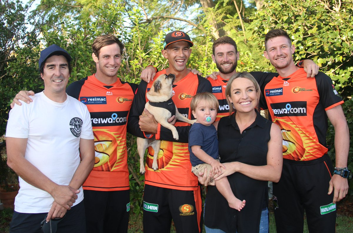 What an arvo for it! 🙌The boys played a good ol' game of backyard cricket with the @REIWA competition winners Kendall and Brett #MADETOUGH