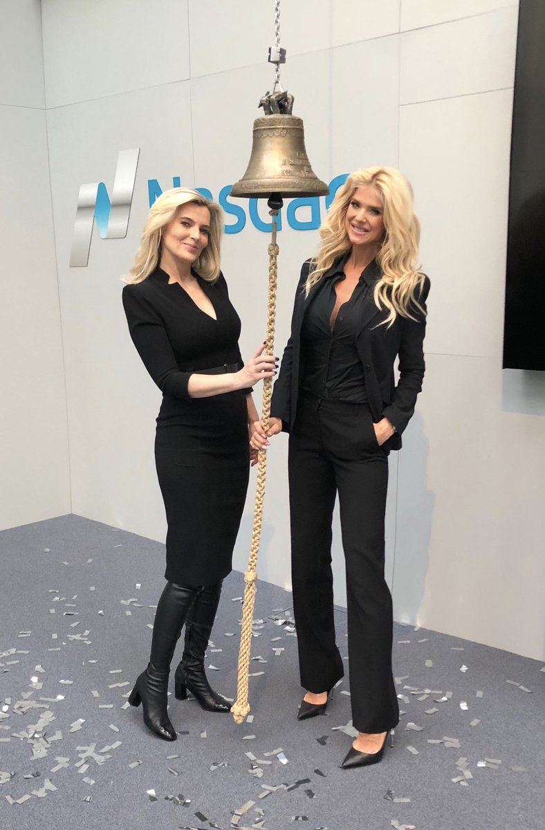 Ring the bell for the #InternationalWomensDay #nadaq #stockholm �@ulrikaelin� �🔔