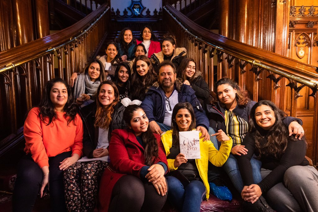 Anees Bazmee (@BazmeeAnees) Tweeted: The women running my set in front and behind the camera #castandcrew #InternationalWomensDay <br>http://pic.twitter.com/IKoT3EBYPk ( https:// twitter.com/BazmeeAnees/st atus/1103945394625568772?s=17 &nbsp; … )