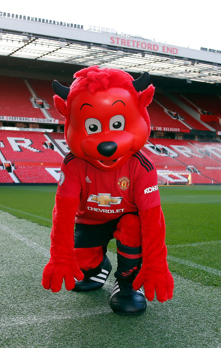 Fred the Red is warming up for the #supermovers Mascot Mashup Challenge. Come up with a 10-15 second goal celebration to represent your favourite football club. More info http://bbc.co.uk/supermovers