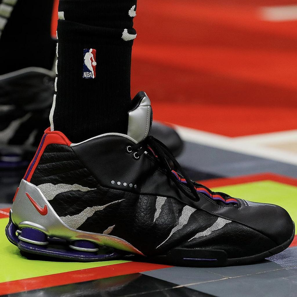 new concept 2e1a7 68823 vince carter claws into the nike shox bb4 in atlanta should vinsanity sign  on for next