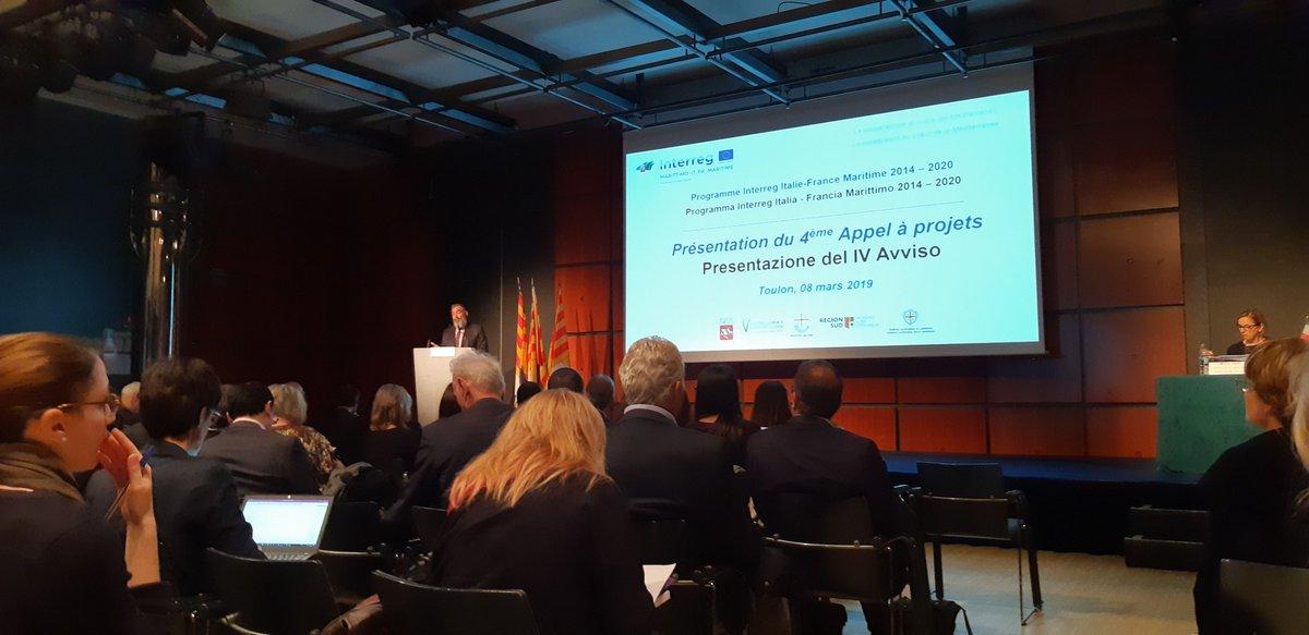 Présentation du 4ème appel à projet @pc_maritime à #Toulon. Intervention de M.Gilly, vice-pdt #CCI du #Var qui décrit les retombées financières pour les entreprises grâce aux fonds de l'Europe 🇪🇺. 2 M€ de marchés passés à des entreprises varoises 😉 #Marittimo