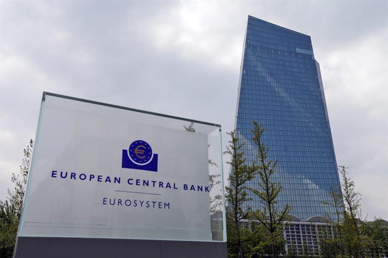 Contrapunto's photo on El Banco Central
