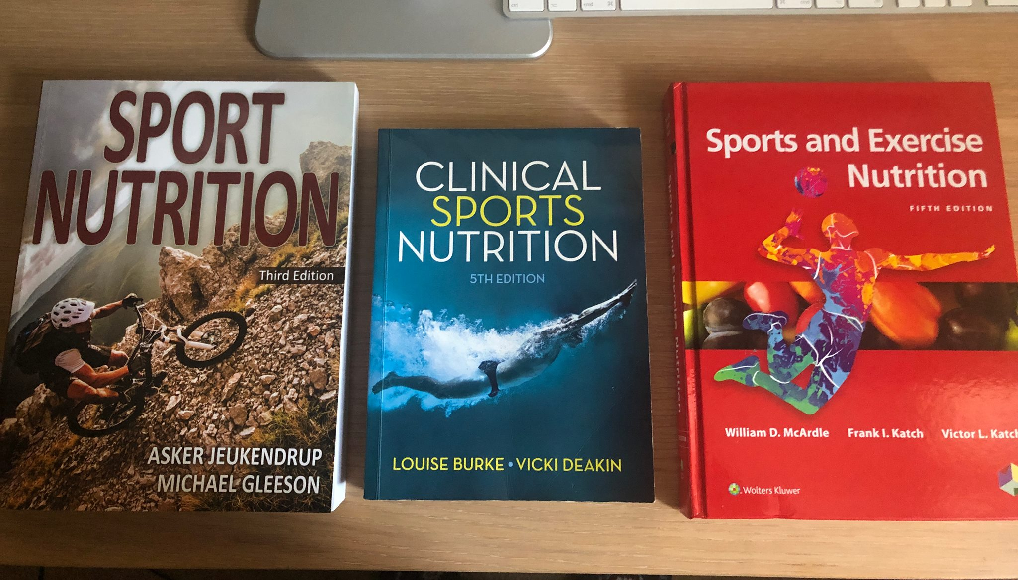 Joseph Agu On Twitter The Best Sports Nutrition Books You Can Get In 2019 1 Sport Nutrition 3rd Ed 2018 By Jeukendrup And Gleeson 2 Clinical Sport Nutrition 5th Ed 2015 By