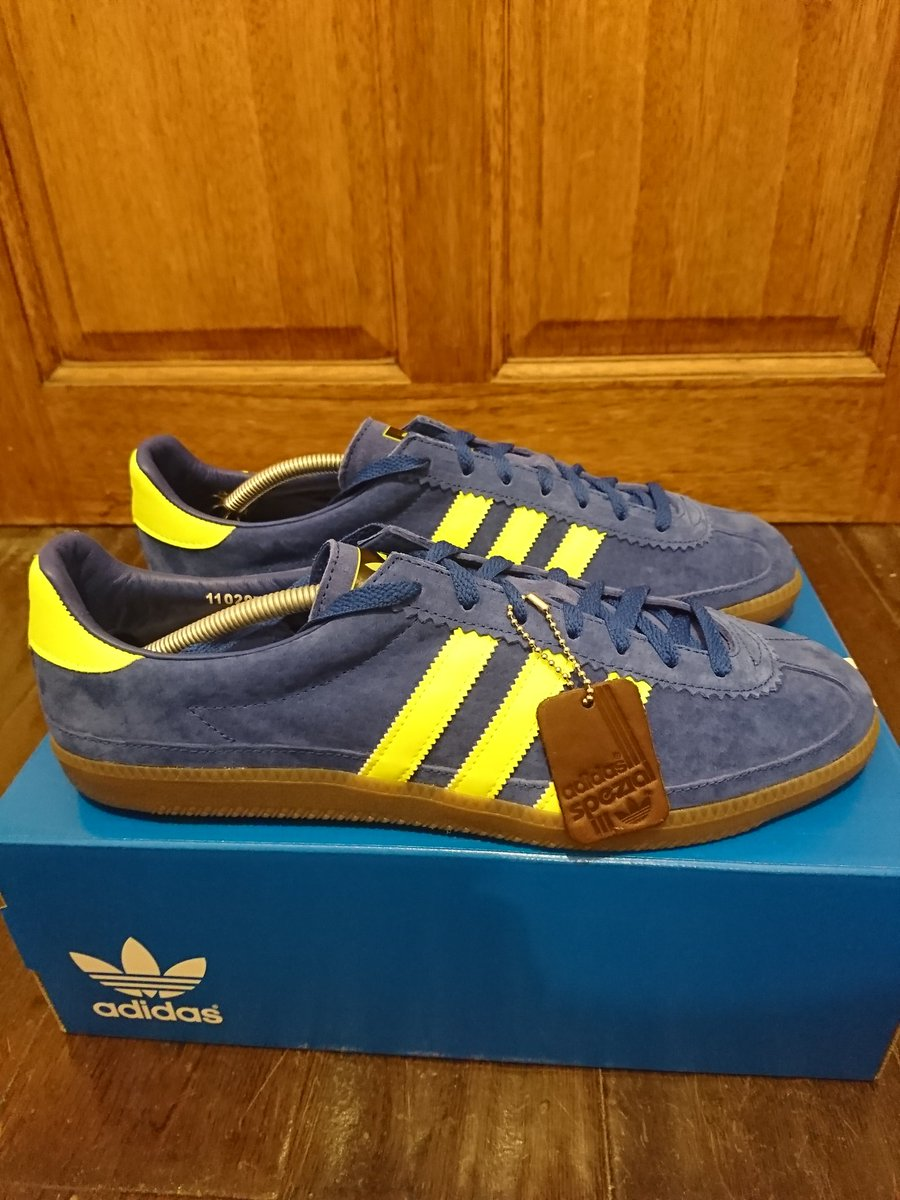 363100fae3a8  ShareYourStripes  RetroSolesUK  Paschuffl  man savings  Whalley  Spzl  These are very nice indeed!!! pic.twitter.com pKtjRVeaMr