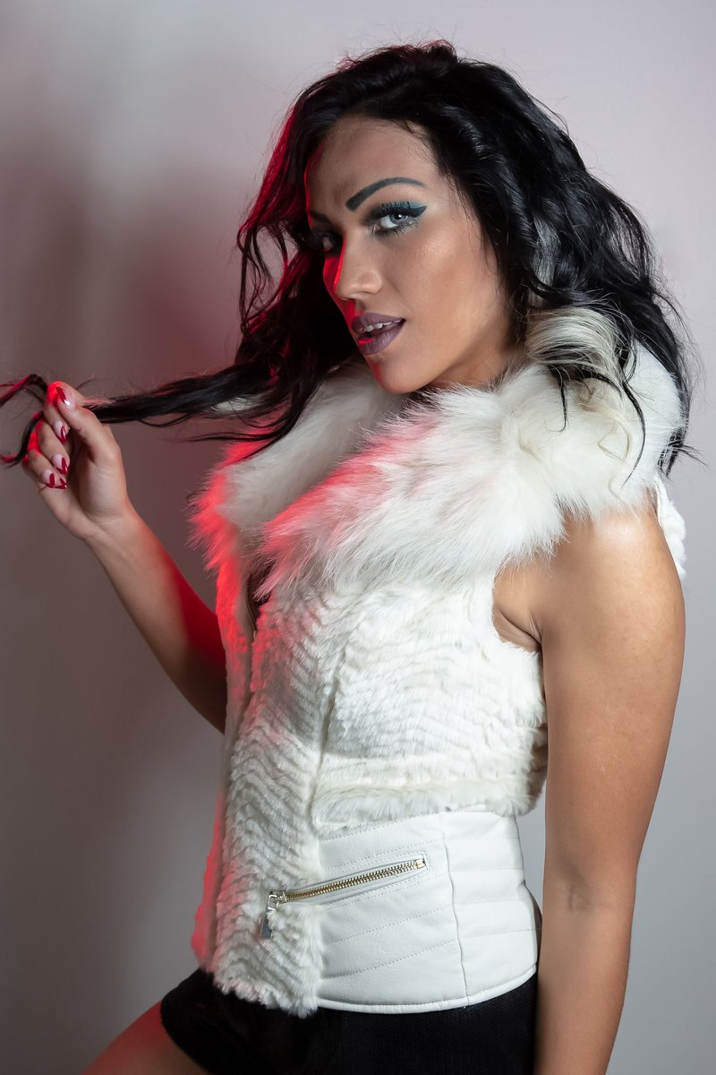 Wow. @RyanLoco and @MLW's @salinadelarenta are a match made in #wrestling heaven.