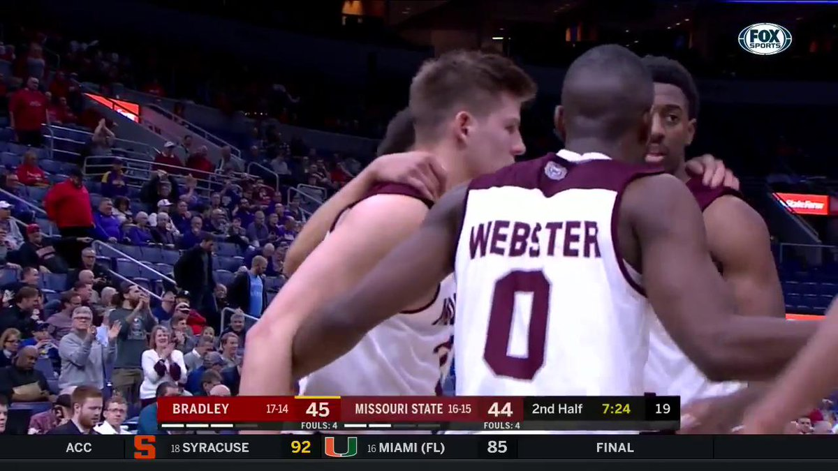 WHAT?! How did Ryan Kreklow hit this shot? @MSUBearsHoops | @MVCSports  Catch MVC quarterfinal action on FSMW and the FOX Sports app: https://foxsports.onelink.me/SY6x/4dd1b9ec