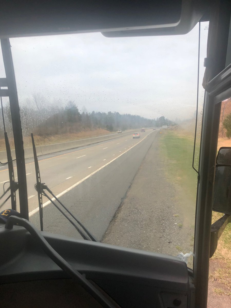 """We r stranded on the side of the road on the way 2 Asheville. Reminds me of the time my Dad & I had car trouble on the way 2 my wedding. I was nervous it was a """"sign"""" but my Dad calmed me down. @ETSU_FrankD is playing the role of my Dad at the moment!! #ItWorkedOut #30YRS pic.twitter.com/2O3xAA53sH"""