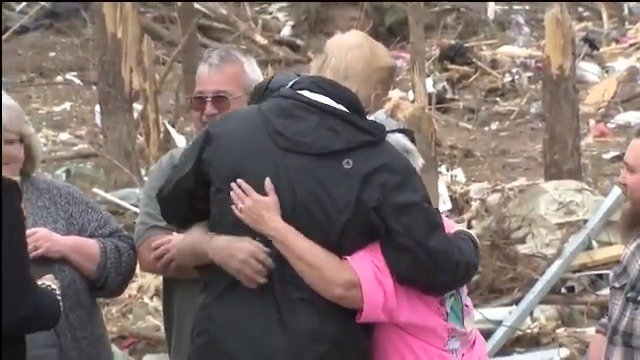 WATCH: President Trump hugs tornado victims in Alabama   @realDonaldTrump @POTUS #BeauregardStrong
