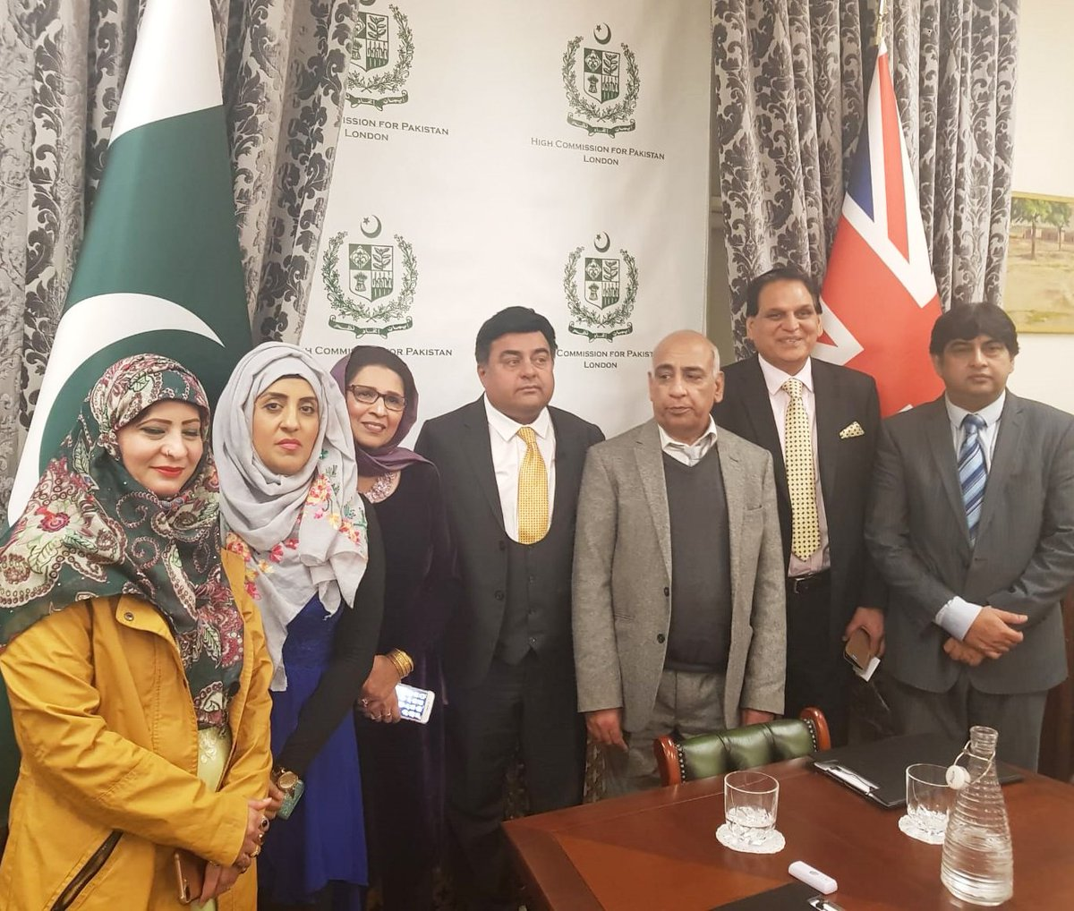 Executive Members of #Pakistan #Press #Club #UK with #President #Mobeen Chaudhry after meeting with PHC in #London  #PPCUK