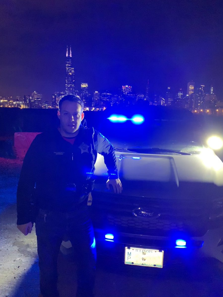 It's #FrontEndFriday with #LivePD! We know @Chicago_Police are not on @OfficialLivePD, but @LivePdFans asked us to post and we are definitely up for it. #LivePDNation #LivePDFriday <br>http://pic.twitter.com/S8H6YfIRS9