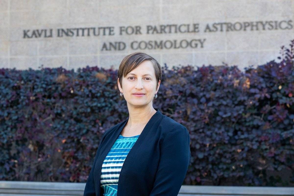 Wrapping up our day-long presentation of KIPAC women, meet Director Risa Wechsler! Prof @RisaWechsler studies galaxy formation, dark matter, and dark energy using cosmological simulations and galaxy surveys including @theDESurvey @desisurvey and @LSST.