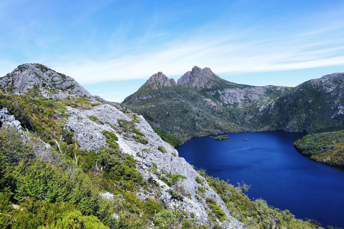 Thinking back to the view from Hanson's Peak overlooking Dove Lake and Cradle Mountain💙