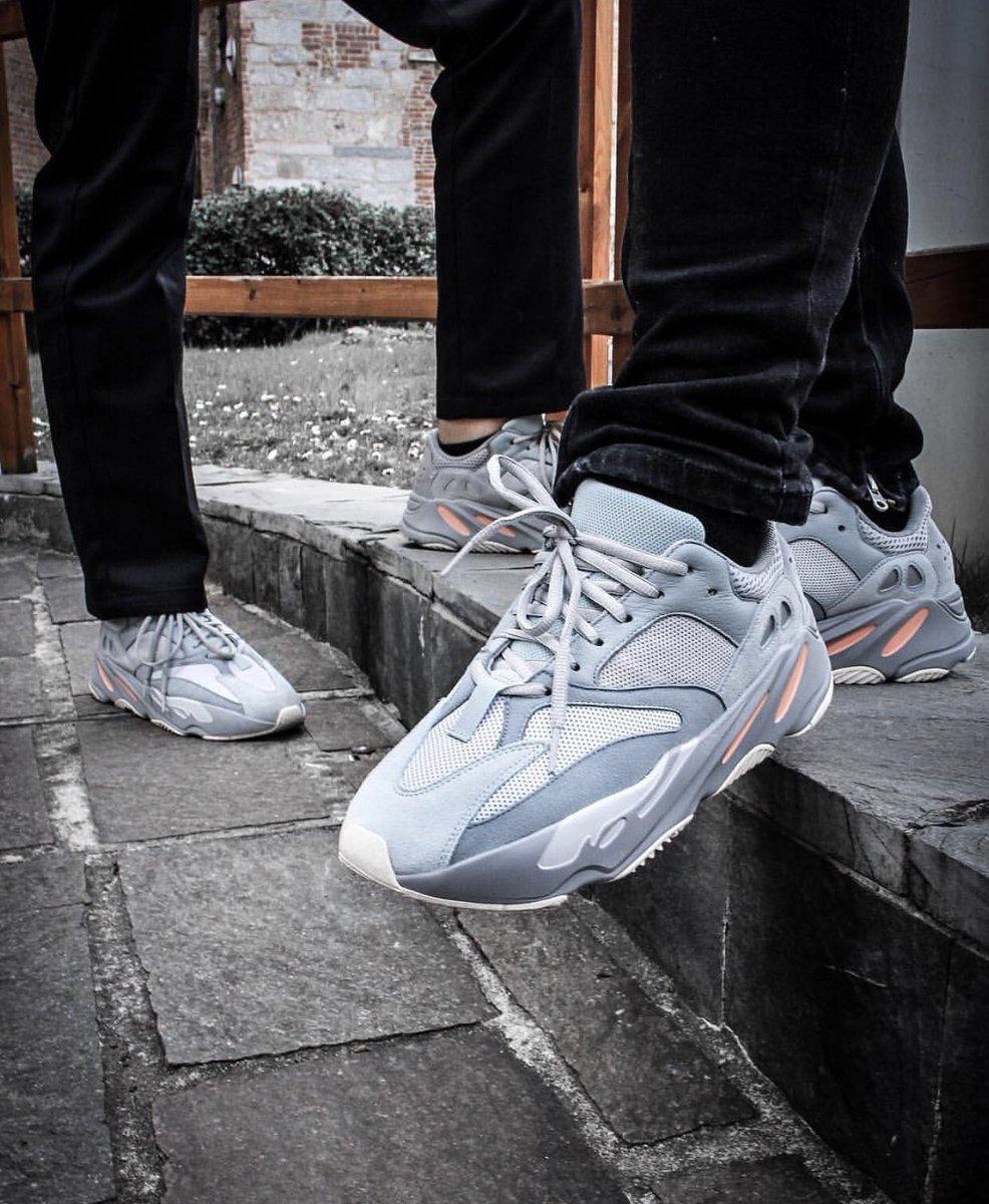 adidas YEEZY BOOST 700 'Inertia