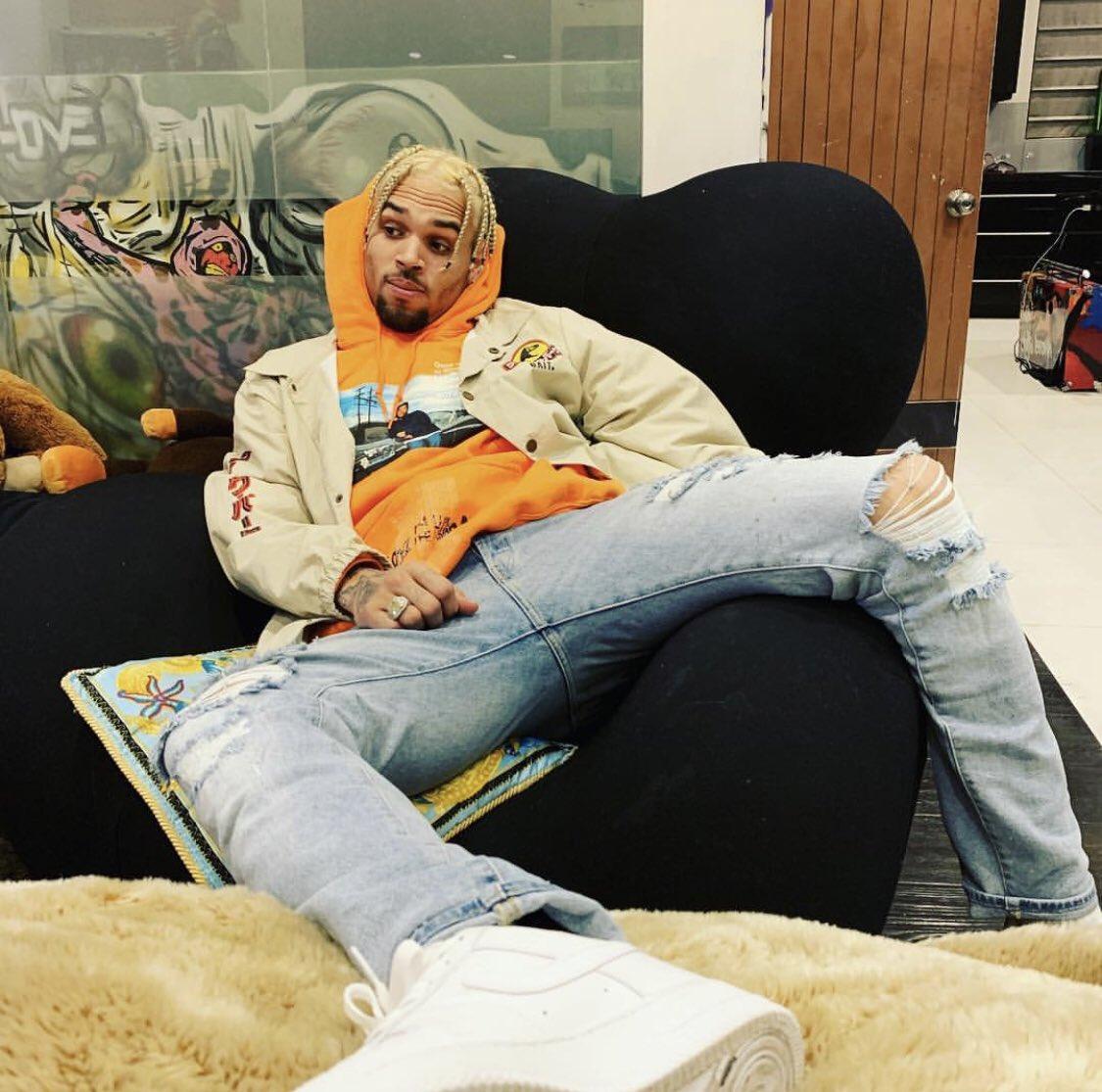 Chris Brown top tweets