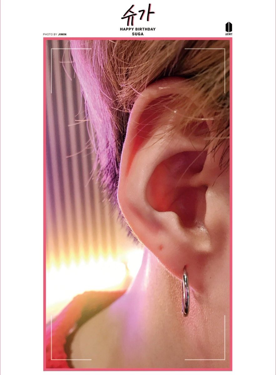 and once jimin said he likes yoongi's right ear bc whenever jimin sleeps next to yoongi(on the right), the first thing he sees when he wakes up is yoongi's right ear<br>http://pic.twitter.com/rmMUJ3v0bK