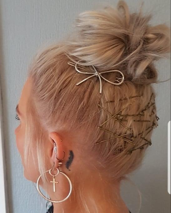Hair scaffolding!  #hairideas #braidideas #hairstyles #hairpics #hairup #updo #messy #bun #topknot #hairaccessories #bow #hairclips #bobsdonthavetobeboring #bob #lob #bobhairstyles #bobideas #modernsalon #americansalon #behindthechair #hairofinstagram #hairdressersofinsta