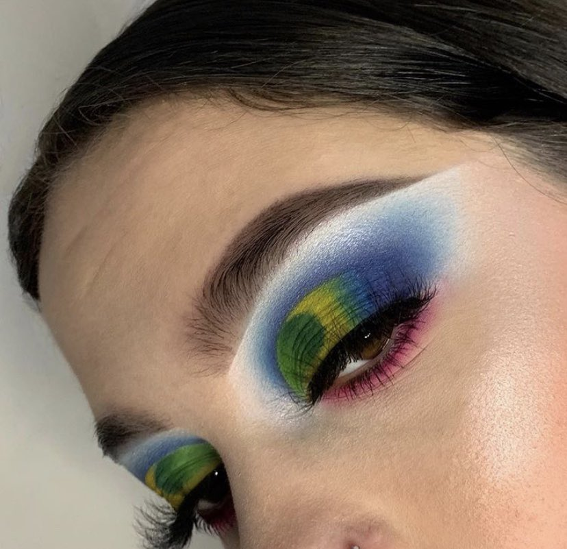 83a5a5f3935 heres some of my favorite looks ive done recently!! (making this a thread  to appreciate my makeup)pic.twitter.com/dtGk6djLsP