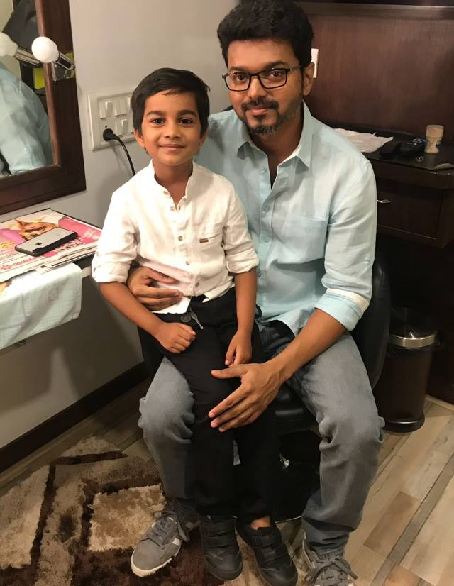 Thalapathy Vijay Viral Picture With Ilaya Thalapathy Mersal Kid Taking Over Internet