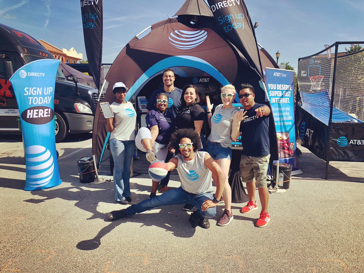 We are ready for day ✌🏾of Daytona Week in partnership with all AT&T Channels!! 🏍 #TeamWorkMakesTheDreamWork💪🏾🙌🏾 #DTV #ATTFiber #ATT #MoreForYourThingThatsOurThing #CCGMEvents https://t.co/P6zacIBNtv