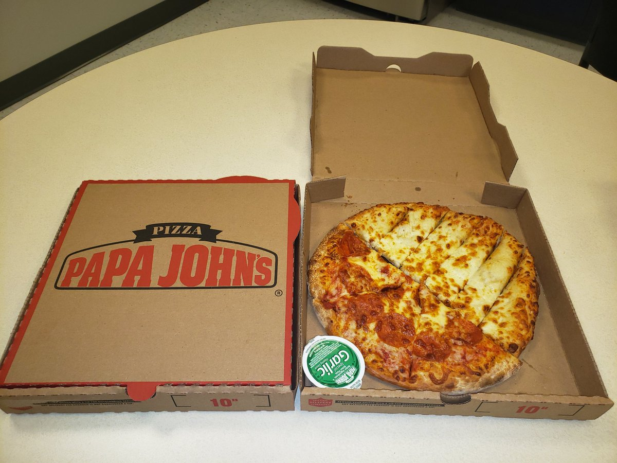 @PapaJohns @PapaJohns_DMV I wish y'all would offer something like this!  A half-pizza, half-cheesesticks lunch combo! Itd be perfect!