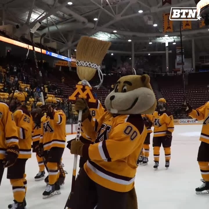 Get out your brooms (sticks will work too). 🧹🧹🧹  @GopherHockey comes away with the weekend sweep of Michigan.