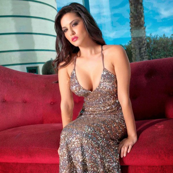 Sunny Leone in Sparkling Sequin Party Dress See all at:  http://blogonbabes.com/sunny-leone-in-sparkling-sequin-party-dress/…   #SunnyLeone #PartyDress #Bollywood #Fashion #Sexy #Sequin #Sparkling #India