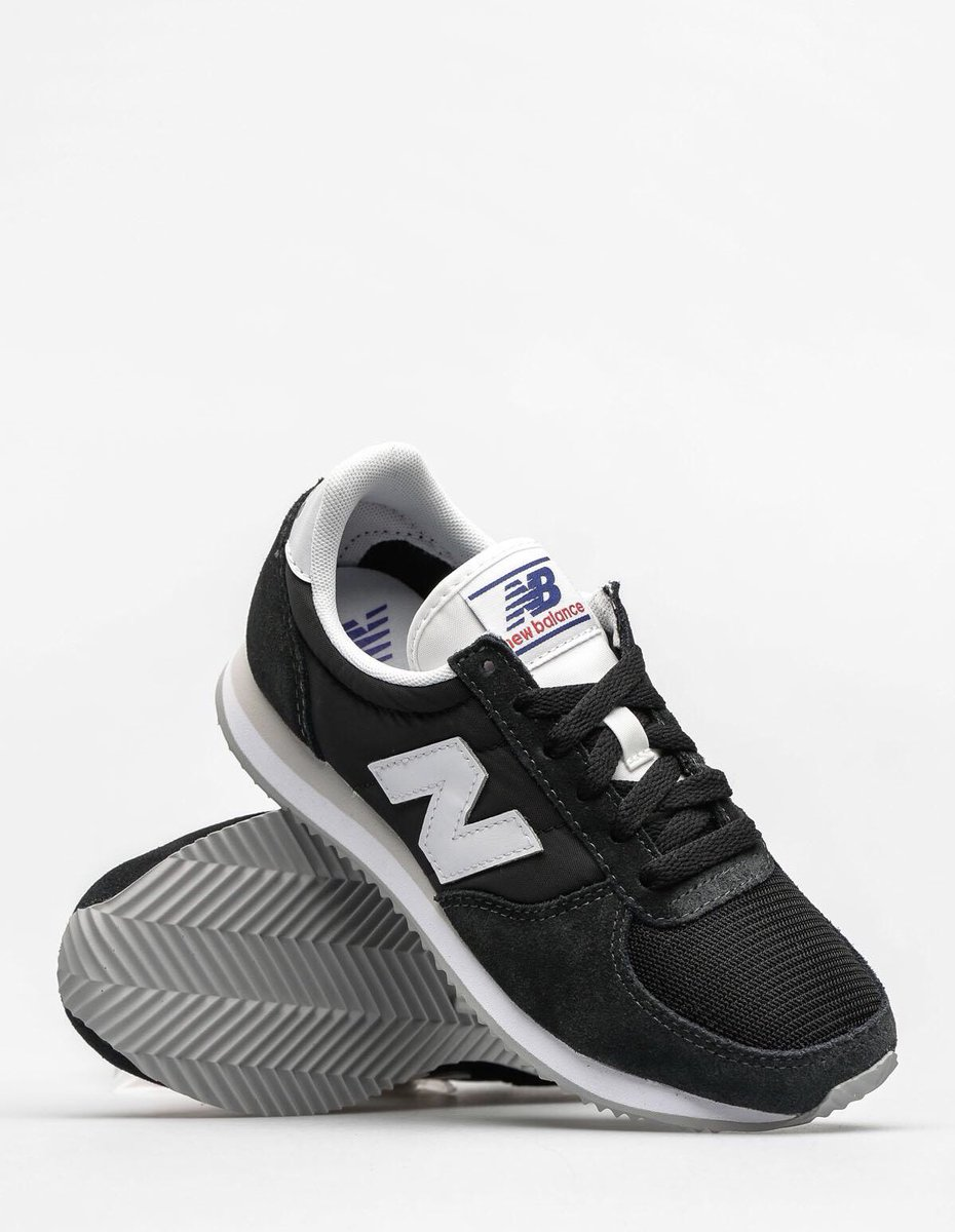 716100106 Another amazing Sunday Steal.. New Balance 220 in black - Was £65 now