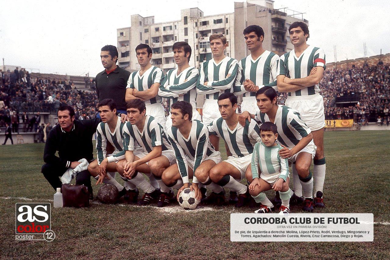 FOTOS HISTORICAS O CHULAS  DE FUTBOL - Página 7 D1TF0m6WwAAEk3E