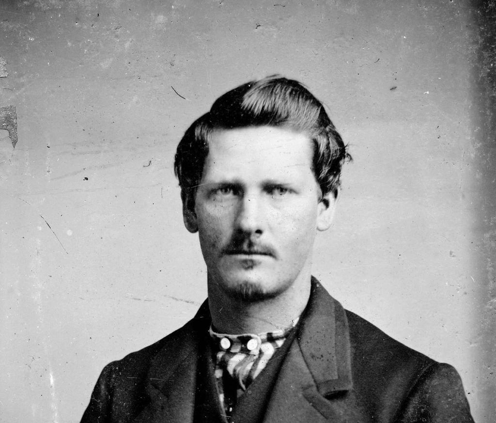 #OnThisDay in 1848 American Old West lawman Wyatt Earp was born in Monmouth, Illinois. He took part in the most famous wild west gunfight at O.K. Corral and has developed a reputation as the Old West&#39;s toughest and deadliest gunman of his day <br>http://pic.twitter.com/nd1D7elMyQ