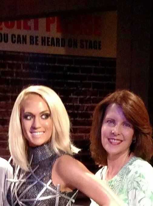 Happy birthday Carrie Underwood!!