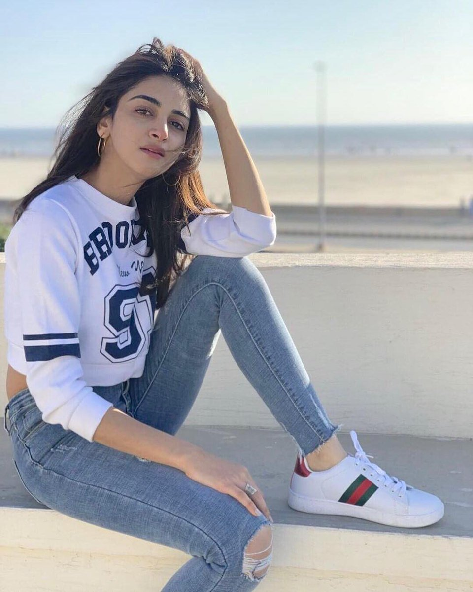 anmolbaloch rocking a simple and preppy look while she is
