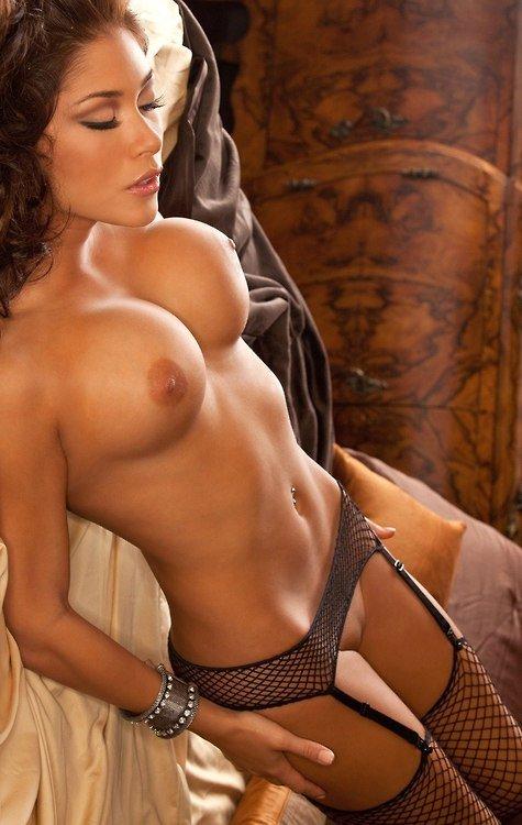 laura-celeste-naked-photo-best-naked