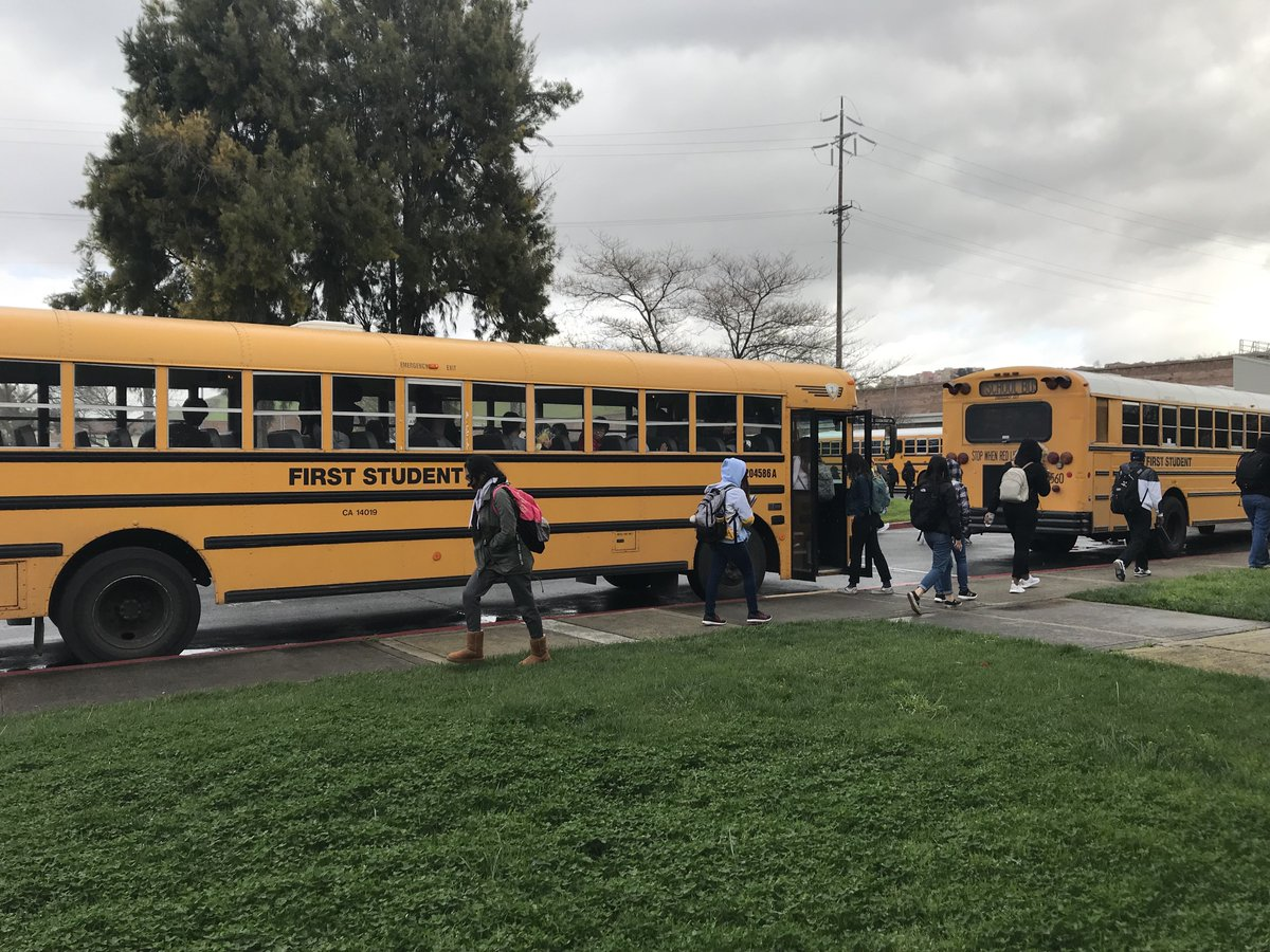 Students attend CTE classes at @SVCTE and then travel back to their sites, bussed by their districts to remove transportation obstacles. @LGSUHSD @mycuhsd @milpitashigh @SanJoseUnified @SCCOE @ESUHSD_Pathways @SantaClaraUSD @CTE4Me @CaliforniaCTE<br>http://pic.twitter.com/WlPNkHplOf