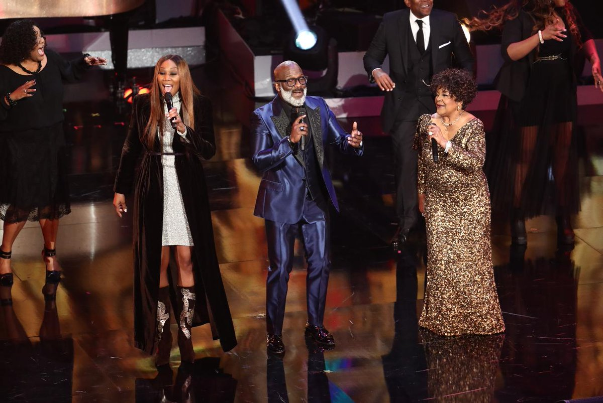 We&#39;re loving this #Gospel medley from @YolandaAdams, @bebewinans, and Shirley Caesar  &quot;Never Grow Old,&quot; &quot;Mary Don&#39;t You Weep,&quot; &quot;What A Friend We Have In Jesus,&quot; and &quot;How I Got Over.&quot;  Keep watching &quot;#Aretha! A GRAMMY Celebration For The Queen Of Soul&quot; on @CBS. #GRAMMYsAretha <br>http://pic.twitter.com/nG6XduXZy0